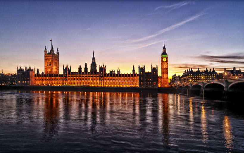 1024px-1_westminster_palace_panorama_2012_dusk
