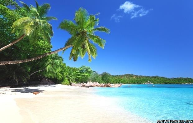 anse-lazio-beach-on-praslin-island-seychelles