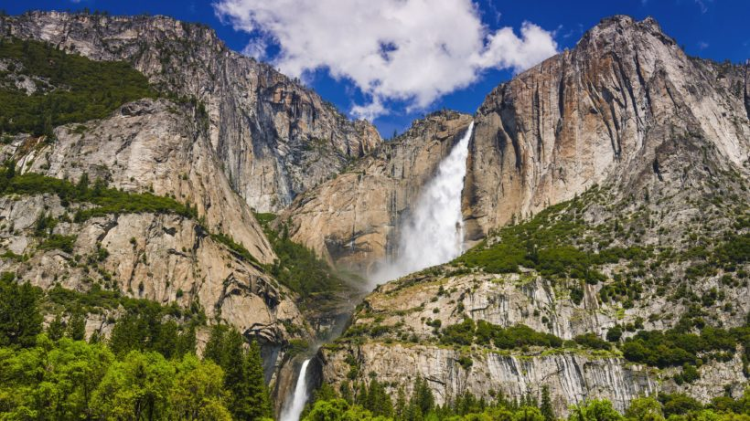 yosemite-falls-yosemite-national-park-california-usa-683750029-58b0dfc75f9b5860462db5b0